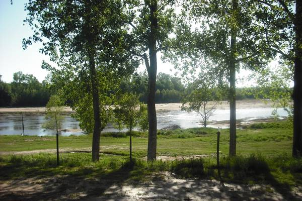-  400 RV site for rent  On Red River near Boyce