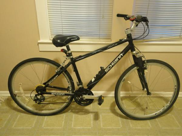 MUST SALE - Schwinn Mens Avenue Hybrid Bike - $75 (Lafayette, LA)