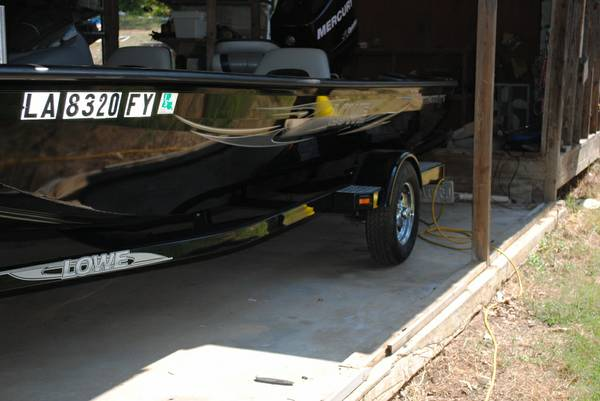 2012 Lowes Boat - $15500 (Converse)