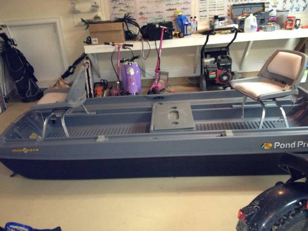 10 ft uncle bucks pond prowler - $400 (Mandeville)