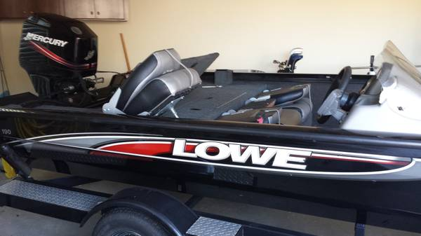 2009 Lowe 90HP Mercury motor bass boat - x002415000 (Shreveport, LA)