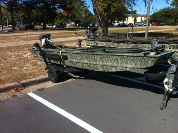 14 FT x 36 Bass Tracker Tadpole Jonboat - $400 (Leesville)