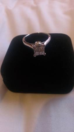 engagement ring -   x0024 800  winnfield