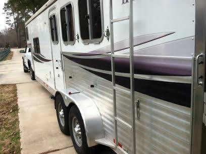 2008 Lakota 3 Horse  amp  Living Quarters Trailer -   x0024 29500  Shreveport