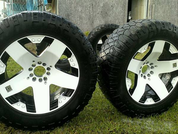 REDUCED   CUSTOM PAINTED 20   RIMS AND TIRES -   x0024 1000