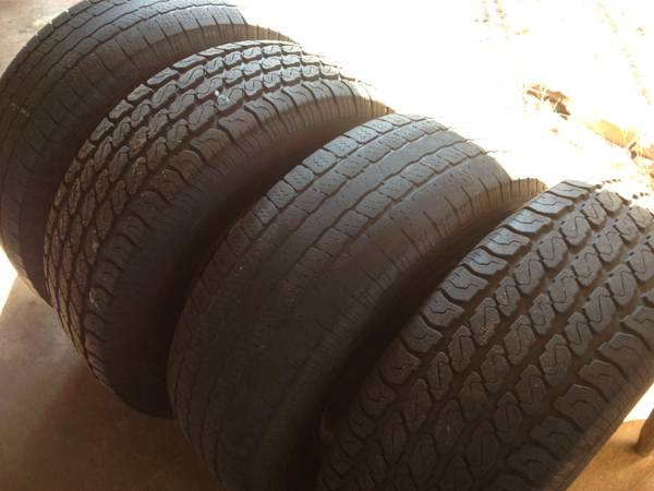 16 chevy tahoe rims and tires 6lug - $250 (Alexandria)