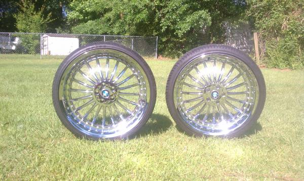 22 inch chrome staggered wheels - $1300 (pineville, la)