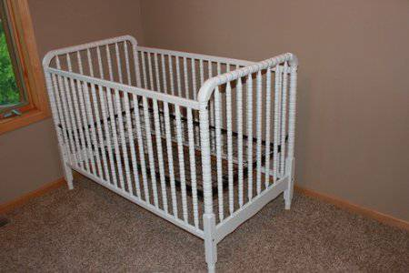 White Convertible Crib - $100 (Alexandria)