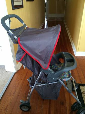 Small folding stroller -   x0024 25  Cheneyville