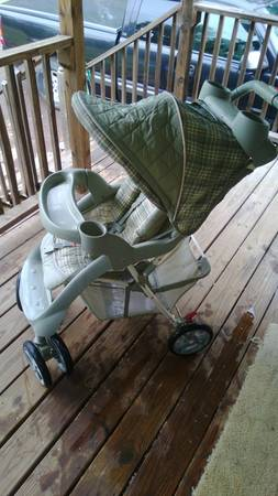 Green Graco Stroller in Excellent Shape - $45 (Montgomery)