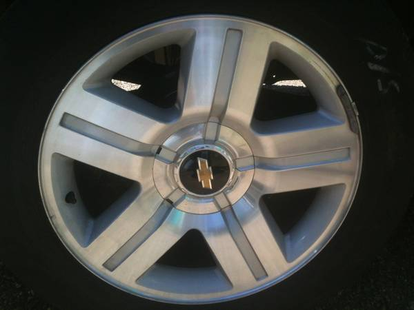 20 inch factory chevrolet rims no scratches brand new tires  - $1400 (Oakdale,la)