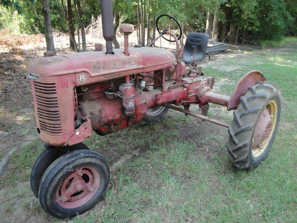 Farmall Model B Tractor - $575 (Winnfield, La. 71483)