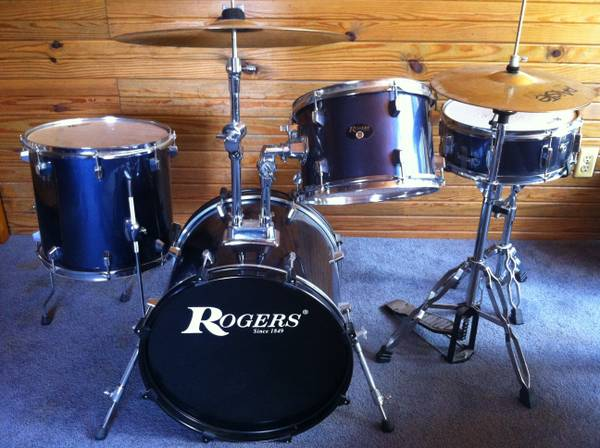 Rogers Drum Set -   x0024 300  Winnfield  LA