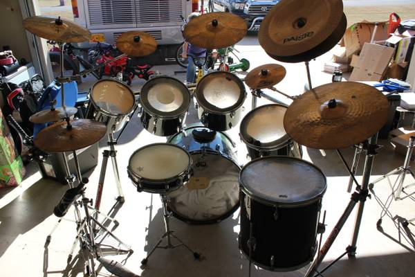 Drum set  Pearl with many add-ons -   x0024 1000  Leesville