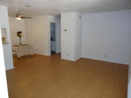 $719 2br - 880ftsup2 - Remodeled Unit, Granite, Tile, Cable, Internet, Water Paid (Arbor Square)