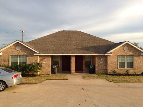 $1200  3br - 1400ftsup2 - 3 br 3ba Duplex Available 6113 (3513 Paloma Ridge  College Station, TX)