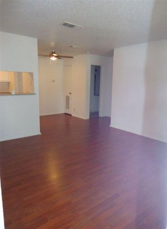 $579 1br - 616ftsup2 - Looking for a place to live On bus route (Arbor Square Apartments)