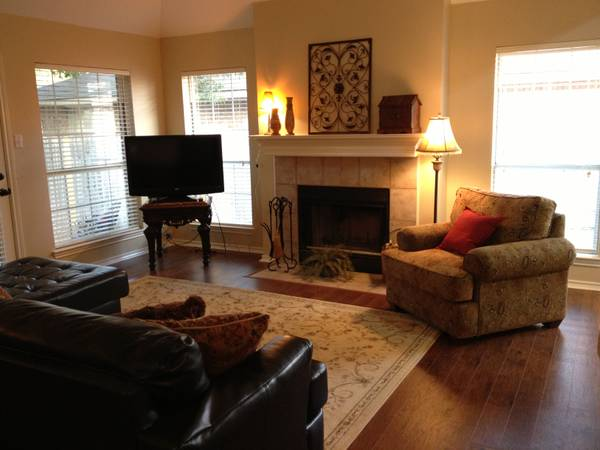 4br - River Valley Vacation Rentals-Gorgeous 42 AM Gameday Rental (Wolf Pen Creek)