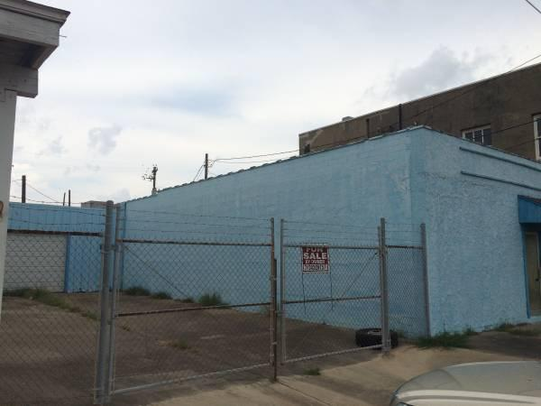 150 000   Owner Financing No Credit Check Commercial  Residential Building
