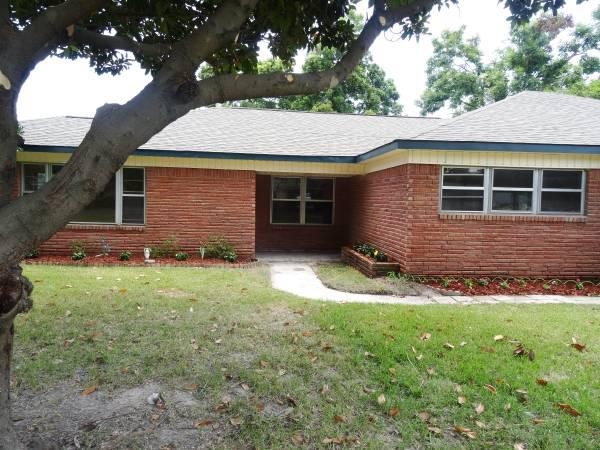159 999  Owner Finance 3 Car Garage  3 Car Port  Huge Backyard W Screened Patio