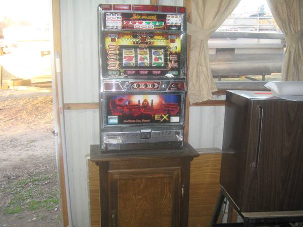 Slot Machine -   x0024 200  Madisonville