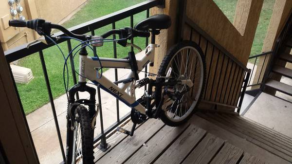 NEXT Mountain Bike- Perfect condition -   x0024 75  College Station Bryan