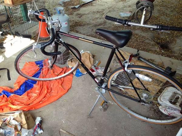Schwinn world sport road bike - $175 (College station)