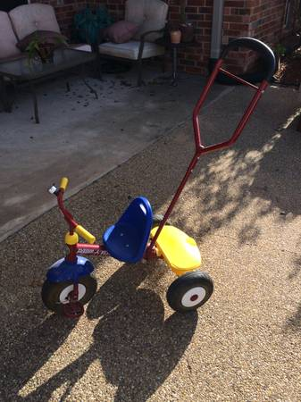 Red radio flyer tricycle with removable handle push bar - x002420 (S College Station)