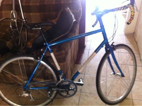 2011 Jamis Satellite Sport Road Bike - $400 (Bryan Texas)