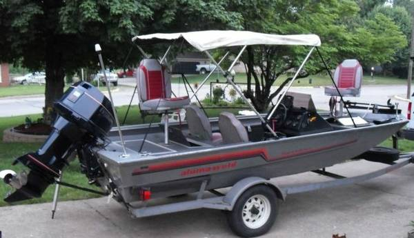 1990 17 Alumaweld Bass Boat all welded Xpress Evinrude 88 Hyperlift - $5400 (College Station, TX)