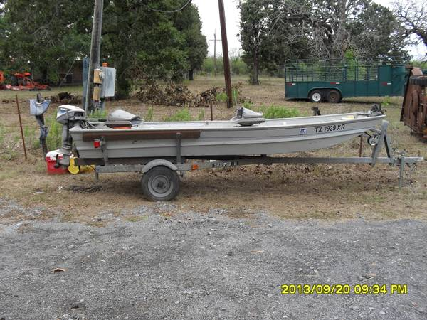 14 foot monark aluminum boat - $2000 (North Zulch TX)