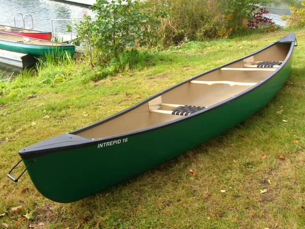 Mohawk Intrepid canoe 16 foot - $450 (College Station)