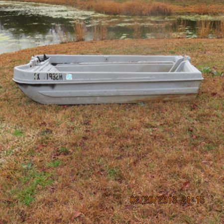 2 man bass buster pond boat - $135 (Marquez)