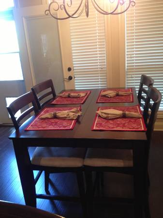 Beautiful dark wood table and 6 chairs for sale - $550 (College Station, TX)