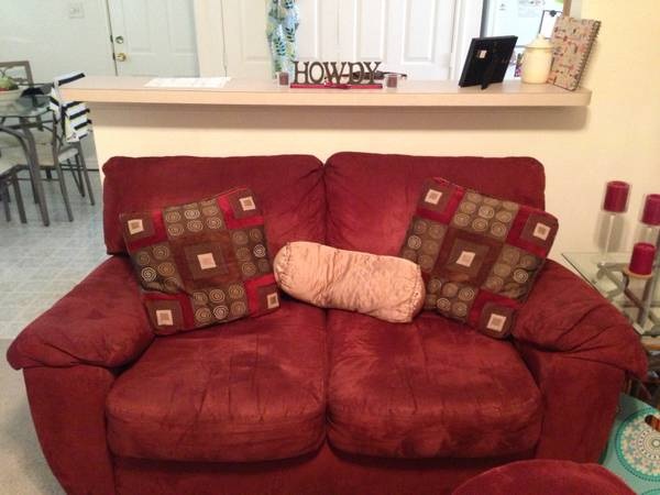 Maroon couch - $125
