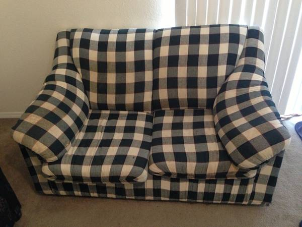 Sofa, Coffee table Love seat - $20 (Southwest Pkw, College Station)