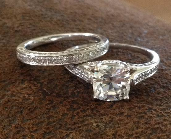 ANTIQUE CATHEDRAL ENGAGEMENT RING  amp  MATCHING WEDDING RING -   x0024 575  Hempstead