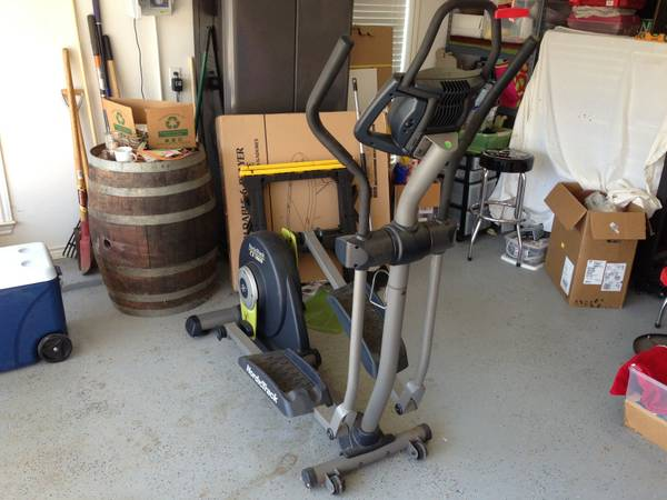 NordicTrack CX 1000 Elliptical Machine - $225 (Castlegate)