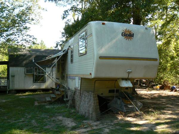 89 ALPHA GOLD 32 5TH WHEEL RV - $4900 (HILLTOP LAKES TX)
