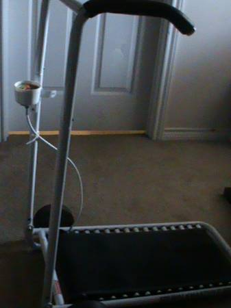 walkmaster 2 treadmill - $15 (College Station)
