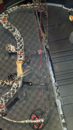 Mathews z7 2010 model - $1000 (bryan,TX)