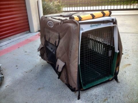 Hunting Dog Kennel with Mud River Cover - $125 (College Station)