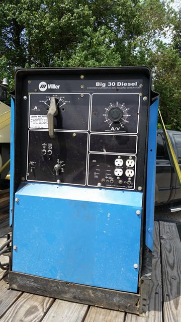3 000  Miller welding machine big 30