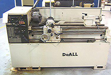 3 900  Nice Doall Toolroom Lathe 13 x 30 Late Model Great Shape