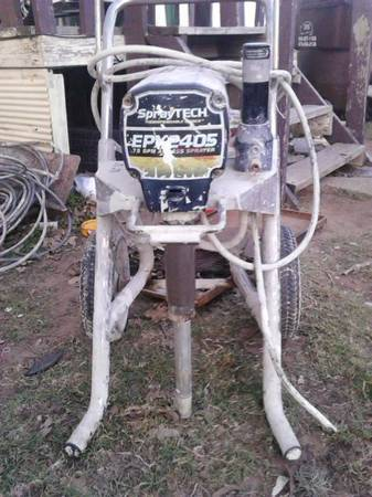 spraytech 2405 ... airless paint sprayer gun - $700 (Bryan)