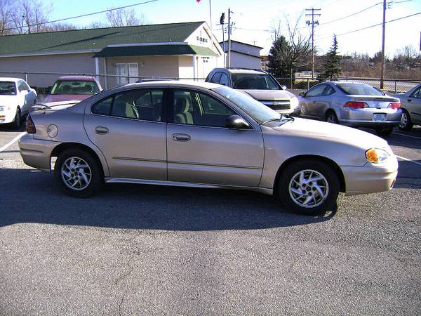 2004 Pontiac Grand Am Parts - $1 (Brenham Tx)