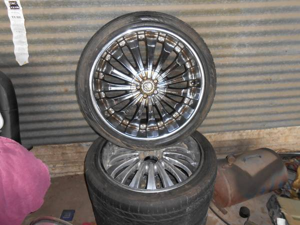 22 RIMS AND TIRES UNIVERSAL 6 LUG TRUCK - x0024275
