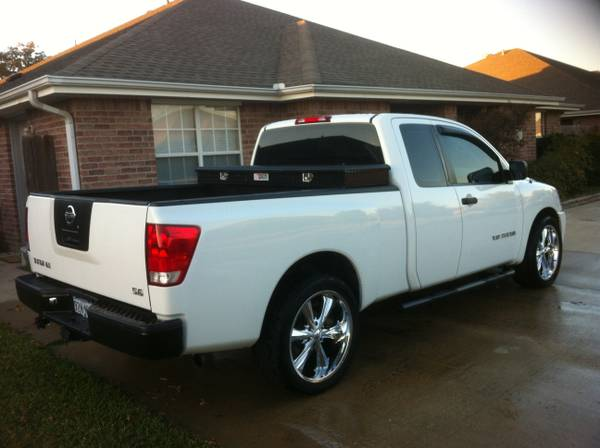 OEM rims nissan titan black tool box( tractor supply brand) - $100 (College Station, Tx.)
