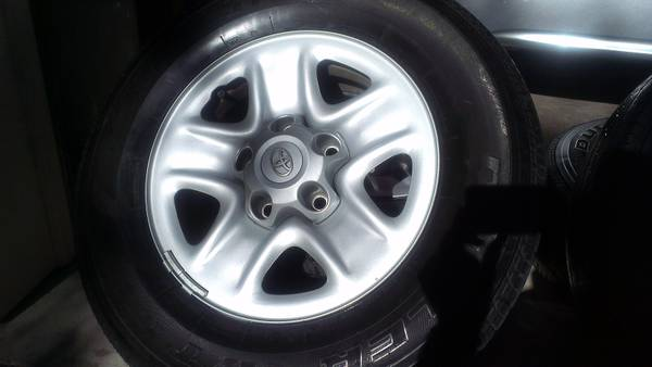 Tundra Wheels, Tires, TPMS, Center Caps, and Lug Nuts - $300 (Huntsville)