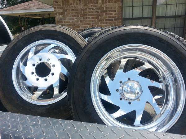 Brentz 19.5 billett aluminum dually wheels with tires - $3000 (Caldwell)